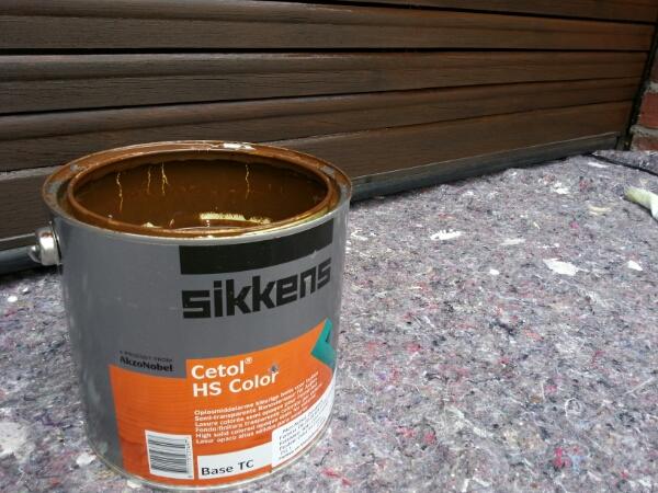 fenster oder t r richtig lasieren mit dickschicht oder d nnschicht lasur farben dickschicht. Black Bedroom Furniture Sets. Home Design Ideas