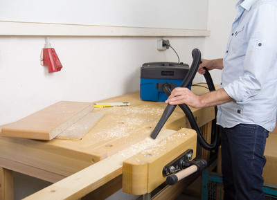 kleine absauganlage ideal f r schnelle staubfreie t rrenovierung werkzeug. Black Bedroom Furniture Sets. Home Design Ideas